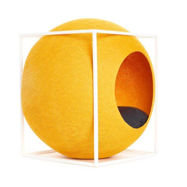 Le Cube métal, niche et griffoir design - Pollen