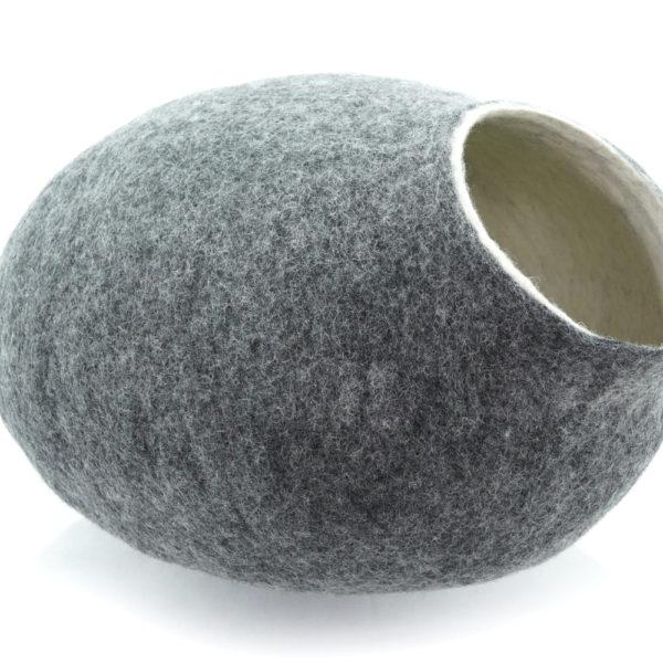 Grotte en feutre de laine grise