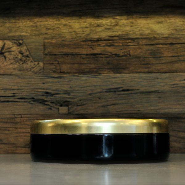 Litière ouverte en céramique noire et dorée